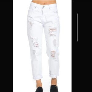 White Distressed Hight Waisted Boyfriend Jean's